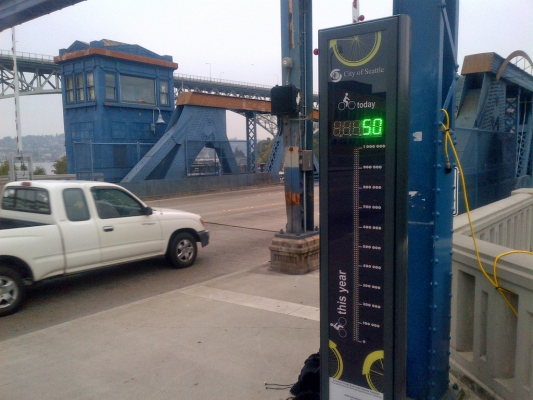 708 Fremont Bridge Bike Counter.jpg