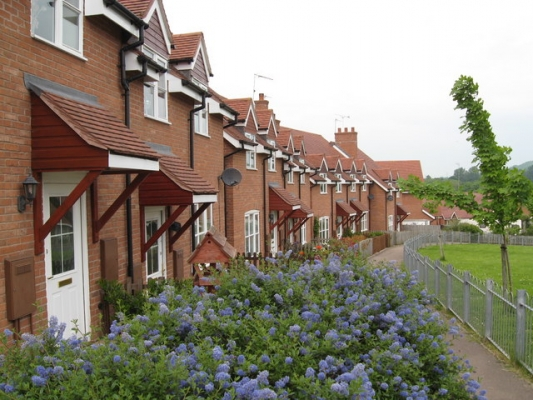 Affordable_housing,_Damson_Way,_Suckley_2008_-_geograph.org_.uk_-_813412.jpg