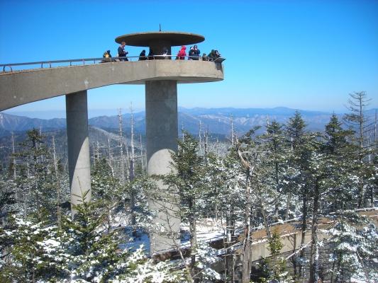 Clingman's_Dome_Tower_on_a_Sunny,_Snowy_Day.JPG