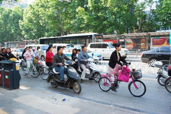 Kunming_morning_commute_sm_0.jpg